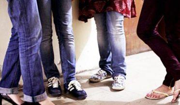 جینز پہننے والی طالبات اور 'بے حیائی' کا سدباب